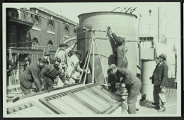 """A Real Photo  (not A Postcard) Of Workmen Aboard The Sloop  """"HMS Chrysanthemum""""  (1917-1995). - Paquebote"""