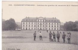 23512 Clermont-Ferrand France - Intérieur Du Quartier De Cavalerie Du 3e Chasseurs - L Hirondelle Paris 546 - Soldat - Casernes