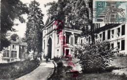 03 - BOURBON L' ARCHAMBAULT - ETABLISSEMENT THERMAL ET LE CASINO - Bourbon L'Archambault