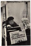 CPSM - PARIS - Les Petits Métiers A6 - Marchand De Journaux - Photo VENEZIA - - Craft