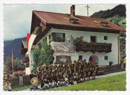 Musikkapelle Neustift - Groupe Musical Du Tyrol (Autriche) Accompagné Par Deux Cantinières Et Leurs Tonnelets - Musique Et Musiciens
