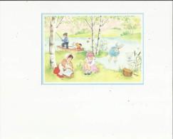 Carte De Groupe  D´Enfants Pechant Au Bord D'un Etang - Groupes D'enfants & Familles