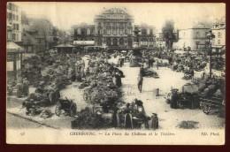 Cpa Du 50  Cherbourg La Place Du Château Et Le Théâtre  NAT9 - Cherbourg