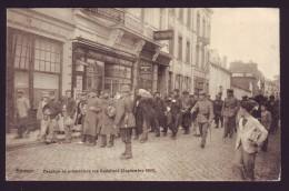 NAMUR - Passage De Prisonniers - Rue Godefroid - Septembre 1914 - Guerre - Soldats    // - Namur