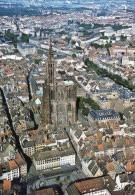 D  67  Strasbourg  Vue Sur La Cathedrale - Strasbourg