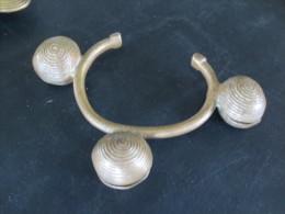 Bracelet    En  Bronze à Grelots - Art Africain