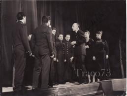 ATTORI  /  Aldo GIUFFRE'  +  Altri In Palcoscenico - Varie Firme  _ Foto Formato Cm. 18 X 24 - Identified Persons