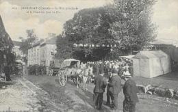 Janaillat - La Rue Principale Et La Place Un Jour De Fête - Carte A. De Nussac N°1077 Non Circulée - Francia