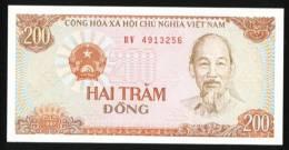 Vietnam 1987 200 Dong Banknote 1 Piece Cultivator Grain Farm Farmer - Vietnam