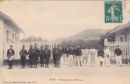 23522  Toul France  -Baraquements D´Ecrouves. Ed Maison Des Magasins Reunis - Soldat Fusil Tambour Baillonnette - Toul