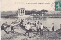 23525 Les Bords De L' Oise - Le Bac De Verneuil Un Passage De Troupes  -ed Vandenhove -soldat Bain Barque Pont - Manoeuvres