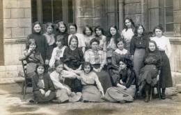 Carte Photo - Photo De Classe D´un Collège De Jeunes Filles En 1913 - Escuelas
