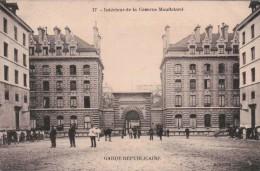 PARIS/GARDE REPUBLICAINE/ INTERIEUR De La CASERNE MOUFLETARD/ ANIMATION/ Réference 4488 - Casernes