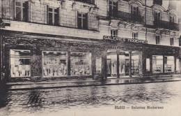 Cpa,loir Et Cher ,blois ,galeries Modernes ,vitrines Immenses Pavés Sol Et Rail Pour Tram