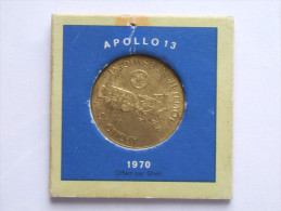 MEDAILLE Jeton APOLLO 13 SHELL Lovell, Haise Et Swigert 1970 Dans Sa Cartonnette - Profesionales / De Sociedad