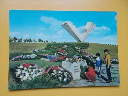 KRAGUJEVAC-spomenik-monument AUX ELEVES FUSILLES 1941- Denkmal-monumento- WORLD WAR II - Serbie