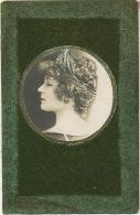 Carte Velours Pailletée Portrait Profil Art Nouveau Actrice Green Velvet - Cartes Postales