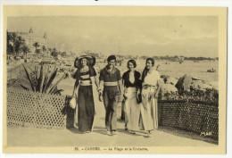 CANNES. - Elégant Et Elégantes Sur La Plage De La Croisette. Très Beau Cliché - Cannes