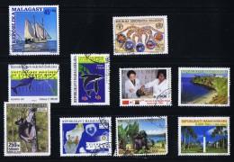 10 Timbres Commémoratifs Utilisés Postalement Baleines, Bateaux, Lémurs - Madagascar (1960-...)