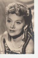 Photo  D´artiste - EDWIGE FEUILLERE --  Photo Continental Films -- Format  Carte Postale  Dentellé - Famous People