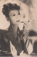 Photo  D´artiste  - EDWIGE FEUILLERE -- Photo Films Orange -  Format 10,4 X 14,8 Cm .   Dentellé - Famous People