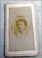 Carte Photo   Femme D'intérieur 1900 - Anonymous Persons