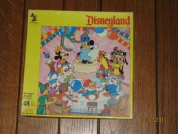 Puzzle Disneyland 2- 48 Pièces En Bois 285 X 285 Mm - Mickey Mousse Et Ses Amis - Walt Disney Productions - Puzzles
