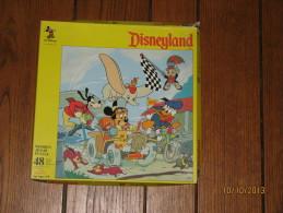Puzzle Disneyland 1 - 48 Pièces En Bois 285 X 285 Mm - Mickey Mousse Et Ses Amis - Walt Disney Productions - Puzzles
