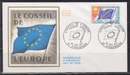 = Enveloppe 1er Jour 67 Strasbourg 20 Fév 71 N°33 Service Conseil De L'Europe Drapeau 12 étoiles - 1971