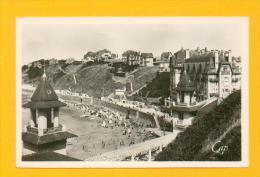 CPA  FRANCE  50  -  GRANVILLE  -  187  La Plage Vue Du Casino  ( En 1948 )  Animée - Granville