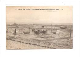Dép. 17 Environs De La Rochelle N°5 ESNANDES Départ Des Boucholeurs Pour La Mer Barques, Animée - France