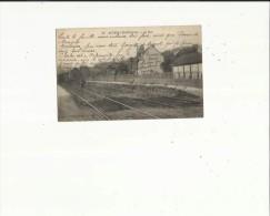 Auvers-Chaponval  95    La Gare Et Train A L'Arret -Quai Animé - Auvers Sur Oise