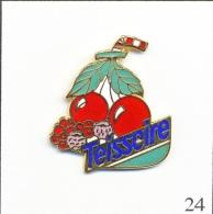 Pin´s - Boisson - Teisseire Sirop De Fruits Rouges. Non Estampillé. EGF. T157-24 - Boissons