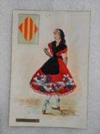 CP 66  Folklore Danseuse Espadrilles  ROBE  BRODEE + Blason   -  Le Roussillon   A. IRAOLA  1967 - Brodées
