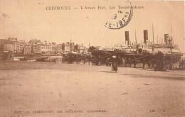 CPA CHERBOURG   Gare Maritime Les Transbordeurs Le Trafic  ( Ref 413 ) - Cherbourg