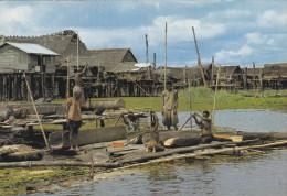 Océanie,PAPOUASIE NOUVELLE GUINEE,beating Sago,sepik River,papua New Guinea,métier,fabrique De Pirogue,rare - Papouasie-Nouvelle-Guinée