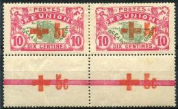 Reunion (1915) N 81A * (charniere) Paire + Croix Rouge Dans La Marge - Unused Stamps