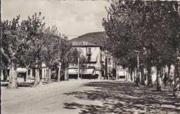 """4k - 26 - Nyons - Drôme - Entrée De La Vieille Ville Vue De La Place De La Libération - """"La Cigogne"""" N° 26.220.10 - Nyons"""