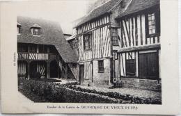 Cpa En Normandie : Escalier De La Galerie De L'AUBERGE DU VIEUX PUITS - éditions Cl. Eustache Non écrite Correcte - Hotels & Restaurants