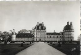 """Les Merveilles Du Val De Loire - Valençay - Le Château - Au Centre, Le Donjon - Carte """"Valoire"""" Non Circulée - France"""