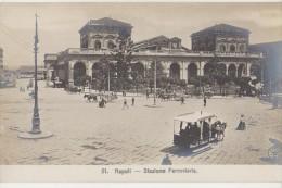 CPA ITALIE ITALIA NAPOLI Stazione Ferroviaria Tram Edit E. RAGOZINO Foto Cartolina - Napoli (Naples)