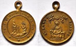 MED 92 - ANTICA MEDAGLIA  - B. VERGINE DI CARAVAGGIO IN PIN / B. MARIA CORONA  - DIAMETRO Mm. 18 - Religión & Esoterismo
