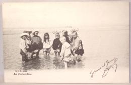 Mer Du Nord. Littoral Belge. La Farandole. Enfants Dans La Mer Du Nord - Belgique