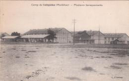 Carte Postale Ancienne - Camp De Coëtquidan - Plusieurs Baraquements - Casernas