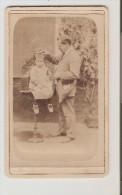 Coiffeur. Photo Fin XIXeme . Coiffeur Et Enfant. - Berufe
