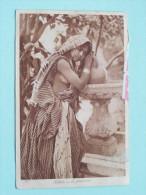 Fillette A La Fontaine ( 205 ) -  Anno 1922 ( Zie Foto Voor Details ) !! - Cartes Postales