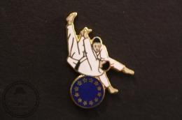 European Martial Arts - Judo/ Tae Kwon Do/ Karate - Fighting Pin Badge - #PLS - Judo