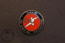 Martial Arts - Turkiye/ Turkish TaeKwonDo  Federasyonu/ Federation - Fighting Pin Badge - #PLS - Judo
