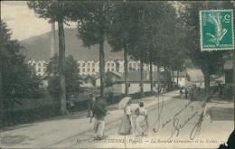 88 SAINT ETIENNE LES REMIREMONT /la Route De Gerardmer Et Les Usines / - Saint Etienne De Remiremont