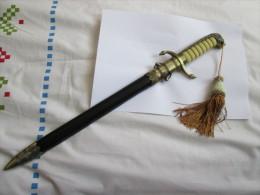 Superbe Dague Militaire  De Marine - Knives/Swords